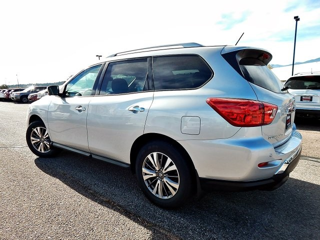 New 2017 Nissan Pathfinder Sl 4d Sport Utility In Colorado